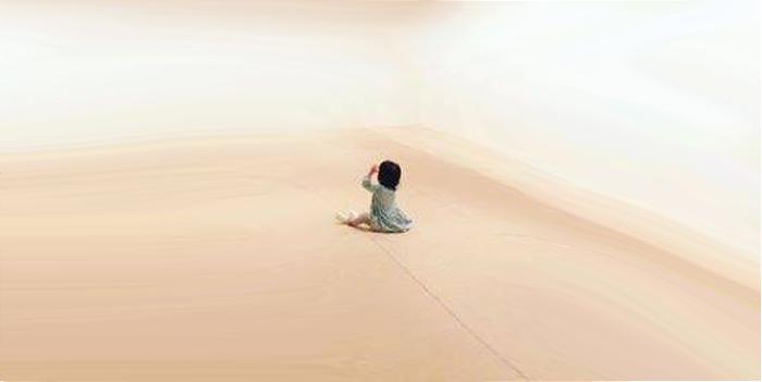 თავისუფალ სივრცეში გამოკეტილი ბავშვი